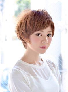 【ショート】小顔&絶壁解消☆フンワリ小顔ショート/RED☆HOTの髪型・ヘアスタイルカタログ