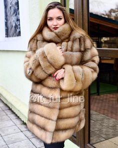 Sable Fur Coat, Mink Fur, Fur Fashion, Fashion Beauty, Womens Fashion, Fabulous Fox, Fur Clothing, Fox Fur, Fur Jacket