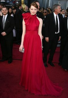 Emma Stone in Giambattista Valli red drees Oscars 2017