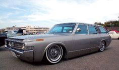There's something about low old school jap that just gets me. Toyota Crown