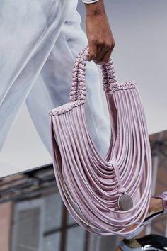 Giorgio Armani Spring 2020 Ready-to-Wear Collection - Vogue Fashion Handbags, Purses And Handbags, Fashion Bags, Fashion Accessories, Fashion Fashion, Runway Fashion, Fashion Trends, Giorgio Armani, Emporio Armani