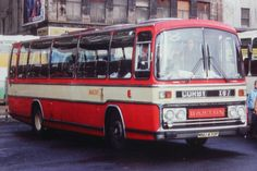 Plaxton Supreme Express III bodied Leyland Leopard. Barton Transport fleet no 470 was given an experimental livery but this was not retained