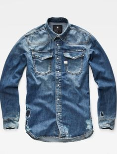 In 2016 , After the collaboration with Industrial Designer Marc Newson and Artist Pharrell Milliams , G-Star Raw collaborated with designer Atior Throup also and announced him as the brand's executive creative director. High Fashion Men, Denim Fashion, Estilo Denim, Denim Shirt Men, Moda Casual, Raw Denim, Western Shirts, G Star Raw, Vintage Denim