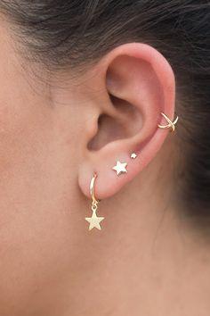 Ear Piercing For Women, Pretty Ear Piercings, Tongue Piercings, Cartilage Piercings, Rook Piercing, Double Ear Piercings, Cartilage Earrings, Double Cartilage, Body Piercings