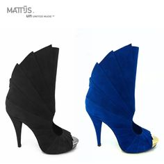 The Mattijs x United Nude Fan shoes are all about glamour. Designed in collaboration with Dutch fashion designer Mattijs van Bergen for his Catwalk show at London's fashion week. No surprise the shoes are designed with a concept of pleats as Mattijs is considered to be the Dutch King of pleats.   Only 120 pairs total Limited edition were made. Find them in our Flagship stores or follow the link: www.unitednude.com