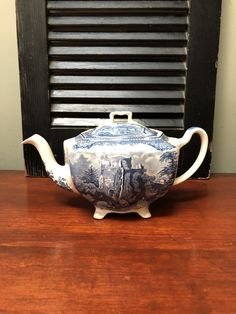 Teapot with Lid Old Britain Castles Johnson Brothers Antique Transferware Made in England 1930  I Ship Globally Ranch Decor, Equestrian Decor, Cottage Christmas, Johnson Brothers, Faux Stained Glass, Blue Home Decor, Blue China, Etsy Shipping, Cottage Chic