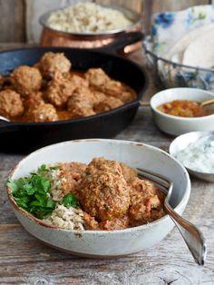 Indiske kjøttboller i spicy saus - Mat På Bordet Tasty, Yummy Food, Garam Masala, Fried Rice, Nom Nom, Spicy, Curry, Food Porn, Food And Drink