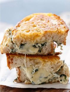 Spinach and ricotta grilled cheese   http://www.hercampus.com/school/sonoma-state/10-pinterest-grilled-cheese-recipes-every-collge-student-should-try