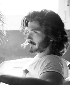 A compilation of photos of Yon González from his various projects, photo shoots and events. Beautiful Women Quotes, Beautiful Black Women, Gorgeous Men, Handsome Men Quotes, Handsome Arab Men, Hair And Beard Styles, Curly Hair Styles, Strong Woman Tattoos, Man Bun