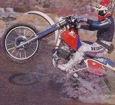 Willy Simmons on the 1986 Honda - Bob Carpenter Photo Honda Dirt Bike, Honda Motorcycles, Dirt Bikes, Enduro Motorcycle, Off Road Bikes, Carpenter, Motocross, Motorbikes, Motor Sport