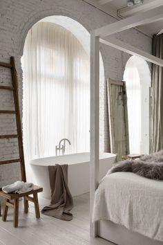 Modern bathtub inspiration bycocoon.com | bathware | inox stainless steel bathroom taps | bathroom design | renovations | interior design | villa design | hotel design | Dutch Designer Brand COCOON