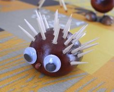 kastanien basteln mit kindern Picture result for chestnuts tinkering with children Cheap Fall Crafts For Kids, Winter Crafts For Toddlers, Easy Fall Crafts, Toddler Crafts, Kids Crafts, Diy And Crafts, Godfather Gifts, Arts And Crafts House, Diy Christmas Gifts