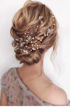 Cool Summer Wedding Hairstyles #hair #hairstyle #weddinghair #weddinghairstyles #Hairstyle