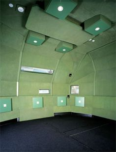 PAUL MORGAN ARCHITECTS' SOUND STUDIO FOR RMIT'S SPATIAL INFORMATION ARCHITECTURE LABORATORY