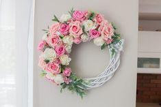 Wielkanocne, wiosenne i letnie wianki na drzwi - inspiracje   Moje Własne Willow Wreath, Floral Wreath, Bouquet, Easter, Wreaths, Rose, Kitchen Sinks, Flowers, Fun