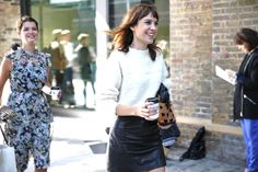 Alexa Chung et Pixie Geldof http://www.vogue.fr/defiles/street-looks/diaporama/street-looks-a-la-fashion-week-printemps-ete-2014-de-londres-jour-2/15238/image/835456