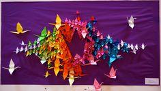 Escultura mural El bando de la grulla  Obra para la exposición Mil grullas para la PAZ