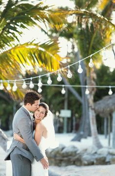Beautiful weddings in #KeyWest  #DreamKeyWestVacation Sweepstakes #MarriottCourtyardKeyWest  **I'm thinking my perfect KW wedding in April 2014 would be a perfect fit to a dream honeymoon stay at the Marriott Courtyard Key West!!! Don't you agree?**
