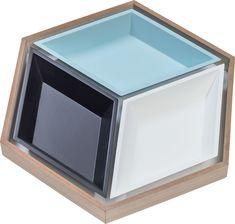 Cechy i korzyści: Pojemnik Multo składa się z 4 niezależnych części które można dowolnie zestawiać. Mniejsze pojemniki mogą funkcjonować włożone w największy lub z niego swobodnie wyjmowane. Kolor: ... Decor, Vase, Home, Shelves, Home Decor