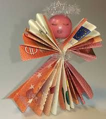 Meine Tochter hat d… And here is the angel from banknotes again with face. My daughter insisted that the Christmas angel get one. Money Lei, Money Cards, Christmas Angels, Christmas Crafts, Christmas Ornaments, Baby Crafts, Diy And Crafts, Diy Angels, Weird Gifts