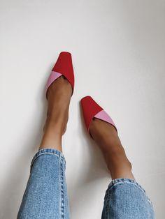 Square-toe shoes are back from - Shoes - Heels Look Fashion, Fashion Shoes, Womens Fashion, Fashion Trends, Petite Fashion, Curvy Fashion, Unique Fashion, Dress Fashion, Fall Fashion