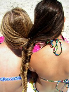 bahaha bffs u think we could do that with three? Two Best Friends, Best Friend Pictures, Best Friends Forever, Crazy Friends, Artsy Photos, Long Locks, Fishtail, Beauty Queens, Cute Hairstyles