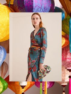 Kiki Willems models Zara Blue Printed Kimono Dress