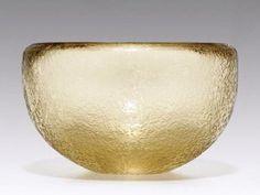 Glass amber bowl Venini (Murano Glass, Venice, Italy) by Carlo Scarpa – The Un-Architect Venetian Glass, Murano Glass, Bookshelf Lighting, Carlo Scarpa, Vintage Bowls, Modern Ceramics, Glass Design, Colored Glass, Glass Art