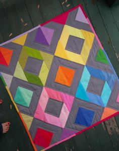 https://flic.kr/p/9HsqLD | Kona solids quilt finished! | Blogged at Lindsay Sews.  Tutorial posted here.