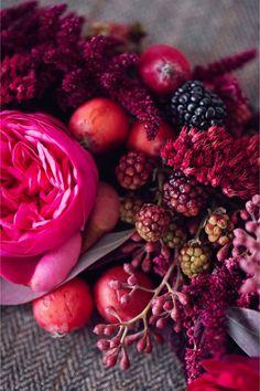 Red, berry and pantone vivacious inspiration shoot http://peachesandmint.com/