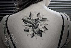follow-the-colours-tattoo-friday-Bruno-Almeida-blackwork-beija-flor-pontilhismo.jpg (620×422)