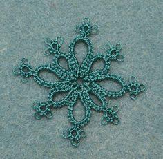 This pattern is from Minitats, 69 petite motifs  by Patti Duff [1999]