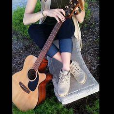 @itsmeghandavis is #nowplaying for #newmusictuesday in her #bearpaw #claire #booties.  #music #newmusic #goodforyou #bearpawstyle #bearpaweurope #bearpawlatam #bearpawmongolia #bearpaw_kr #guitar #singersongwriter