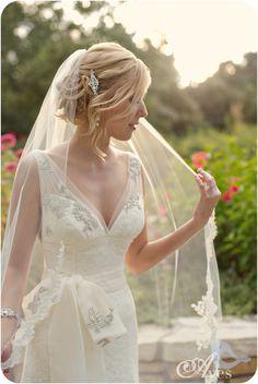 Fort Worth Botanical Gardens Bridal Portraits Robert Carr Chapel Soft Romantic Bridals Lace Dress Fitted Deep V Button Back Fingertip Veil Delicate Gorgeous-5752