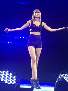 Taylor performing during the 1989 World Tour in Edmonton night two 8.5.15