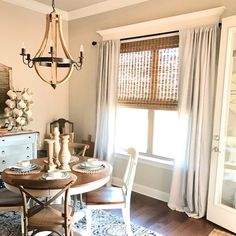 ✨ This dining room highlights our Tulip Table and Wishbone chairs perfectly! Interior Design Instagram, Best Interior Design, Dining Room Windows, Dining Rooms, Dining Area, Kitchen Dining, Kitchen Decor, Dining Table, Woven Wood Shades