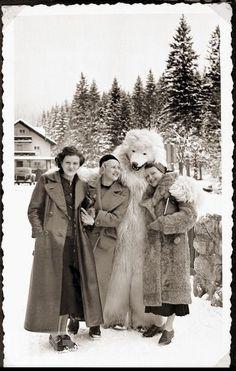 Eva Braun (izquierda) y un oso polar.
