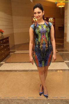 Bollywood Actress Tamannaah Bhatia launches Celkon Octa 510 Model in Hyderabad on the occasion of Bhogi Katrina Kaif Hot Pics, Katrina Kaif Photo, Most Beautiful Bollywood Actress, Bollywood Actress Hot, Hot Actresses, Indian Actresses, Beauty Full Girl, Beautiful Girl Indian, Traditional Sarees