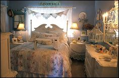 Victorian theme decorating ideas and vintage boho style decorating ideas