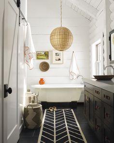 Astounding Useful Tips: Coastal Chic House coastal rugs paintings.Coastal Rugs Paintings coastal home design. Beach House Bathroom, Barn Bathroom, White Bathroom, Master Bathroom, Neutral Bathroom, Bathroom Closet, Sweet Home, Design Exterior, Bathroom Goals