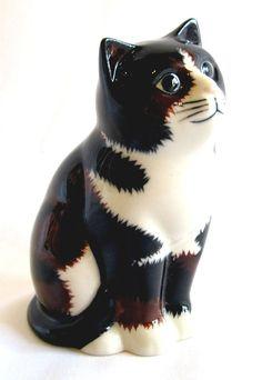 """""""Vita"""" - Quail Ceramics cat"""