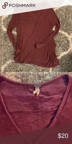Free People long sleeve top Cute size S Free People top Lightweight  stretchy material Snaps in front Longer tunic length great with leggings  Free People ... cc85b3f1a