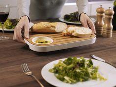 Deska do serwowania SLICE&SERVE - JOSEPH JOSEPH - DECO Salon #servingboard #kitchenaccessories #kitchen #kitchendesign #giftidea #gift