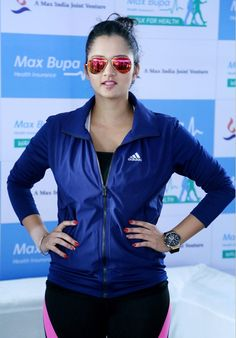 Sania Mirza Looks Super Sexy In Yoga Pants At Max Bupa Walk For Health in Delhi