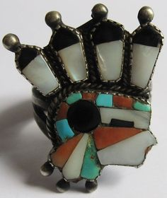 RARE VINTAGE ZUNI INDIAN STERLING INLAID TURQUOISE & STONES INDIAN CHIEF RING