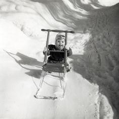 Need a kelkka or two after that snow storm Xmas Photos, Wwe Divas, Helsinki, Vintage Children, Arctic, Finland, Childhood Memories, Bliss, Retro Vintage