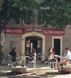 Le café de la place à La Caunette
