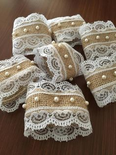 Pearl and lace napkin rings- Rustic wedding decorations - Set of 50 and more . Pearl and lace napkin rings- Rustic wedding decorations - Set of 50 and more - Pearl wedding details - Table accesory, Burlap Crafts, Burlap Wreath, Diy And Crafts, Diy Wedding, Rustic Wedding, Table Wedding, Wedding Burlap, Wedding Card, Spring Wedding
