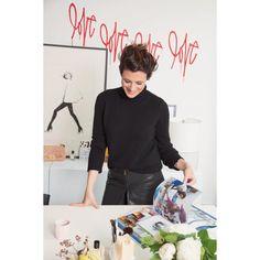 """Für das Magazin """"Style Report"""" von Matchesfashion.com nimmt Garance Doré uns mit in ihr New Yorker Studio und zeigt die ersten Looks ihres Stylings …"""
