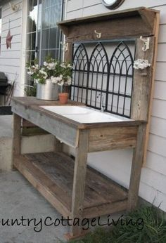 wood pallets garden fence | Pallet garden work bench workstation by I've Only Got A Minute